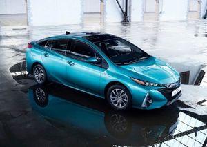 """Toyota Prius Plug-in Hybrid """"uống"""" 1lít xăng/100 km"""