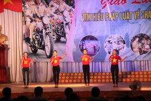 Sinh viên Thái Nguyên giao lưu tìm hiểu pháp luật về TTATGT