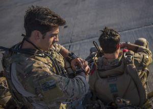 [Ảnh]: Chiến dịch giải cứu phi công trên sa mạc của quân đội Mỹ