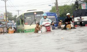 Thuật ngữ mới về ngập lụt: Mưa 'cực đoan'