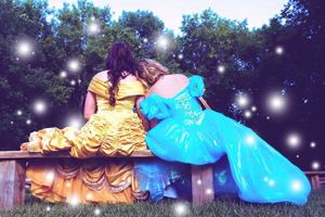 Bộ ảnh cưới cổ tích đẹp như mơ của nàng Belle và Lọ Lem phiên bản đời thực