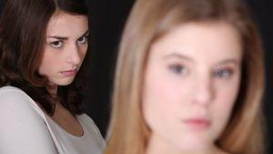 4 câu hỏi giúp bạn vượt qua tính đố kỵ