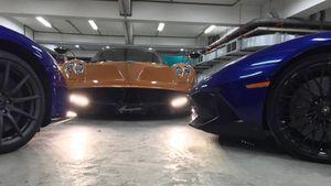 Pagani Huayra khoe dáng trong hầm để xe của Minh Nhựa