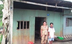 Người mẹ rơi nước mắt nhờ giải cứu con gái từ Trung Quốc