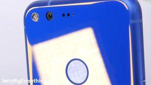 Thử độ bền Google Pixel: Sức chịu đựng trên trung bình