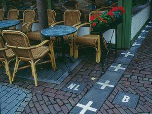 Những đường biên giới 'thân thiện' và đặc biệt nhất thế giới