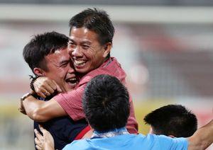 HLV Hoàng Anh Tuấn: Lùi 3 bước, tiến thẳng đến World Cup