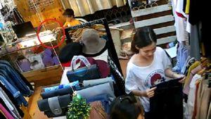 Mẹ cố tình dàn cảnh để con nhỏ trộm iPhone 6s trong shop quần áo