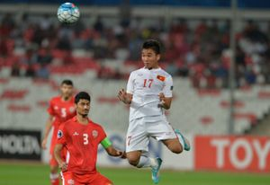 Người hùng U19 VN: 'Tôi chết lặng khi bóng bay vào lưới'