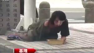 Băng nhóm Trung Quốc đánh què trẻ em và bắt đi ăn xin