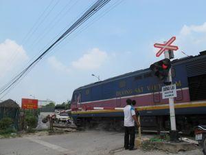 Tai nạn đường sắt ở Thường Tín: Rào chắn chỉ có trong giờ hành chính