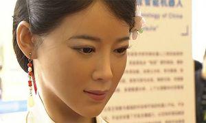 Thiếu nữ robot cử động, trò chuyện như người thật