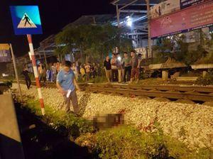 Thanh niên đi bộ qua đường sắt bị tàu hỏa tông tử vong