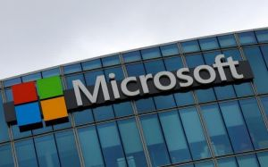 Cổ phiếu Microsoft giữ giá sau sự kiện ra mắt máy tính Surface mới