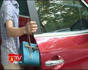 Cảnh giác với trộm cắp ở cổng trường và cây xăng