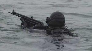 Xem đặc nhiệm Nga chiến đấu dưới nước