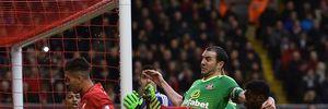 Dẫn trước 2 bàn, Liverpool vẫn để mất 2 điểm trên sân Anfield