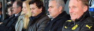 HLV Mourinho bất ngờ tái xuất trong trận đấu không bàn thắng