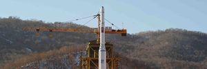 """Triều Tiên phóng tên lửa tầm xa, sẵn sàng """"đón"""" bão dư luận"""