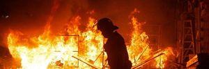 Hong Kong: Cảnh sát đụng độ này lửa với người biểu tình trong mùng 2 Tết