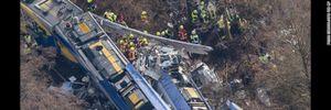 """Hai tàu hỏa """"đấu đầu"""" kinh hoàng ở Đức, ít nhất 159 người thương vong"""