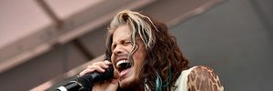 Vụ kiện giám khảo American Idol rời chương trình đến hồi kết