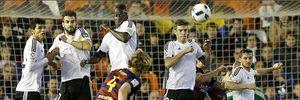Valencia 1-1 Barcelona: Vắng Messi, Neymar, Suarez, Barca suýt mất kỷ lục