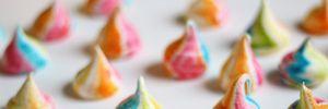 Valentine ngọt ngào với bánh Meringue đầy màu sắc