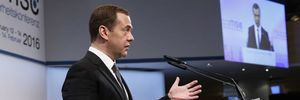 Thủ tướng Nga: Đừng dọa ai bằng chiến dịch mặt đất ở Syria