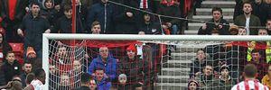 """M.U bất ngờ thua đau trước """"đàn em"""" Sunderland"""