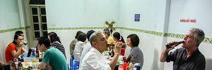 Tổng thống Obama uống bia, ăn bún chả, đi chợ đêm Hà Nội lên báo nước ngoài
