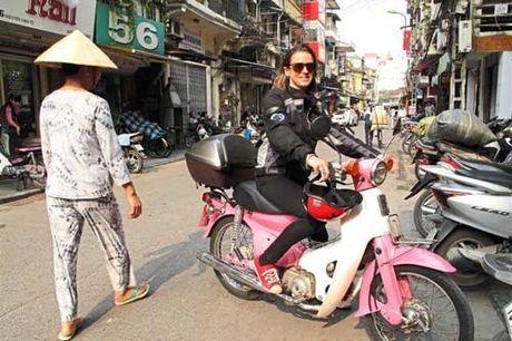 Cô gái Anh khám phá đường mòn Hồ Chí Minh bom đạn - 1