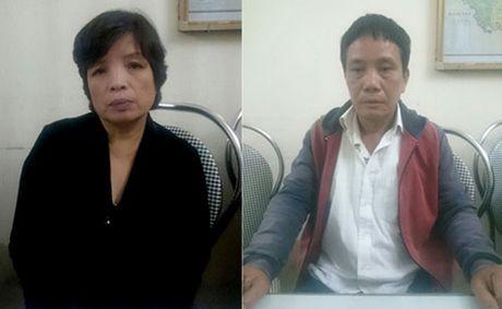 Cặp vợ chồng bị truy nã bất ngờ trở về quê sau 25 năm bỏ trốn