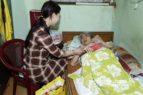 Nữ hoàng Doanh nhân Ngô Thị Kim Chi xot xa hoan canh cua cac nghe si gia neo don - Anh 9