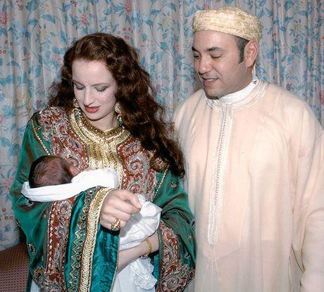 Vì tình yêu với một cô gái thường dân, Vua Morocco đã thay đổi Hiến pháp của cả quốc gia