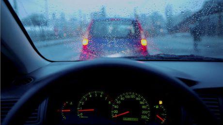 """Vì sao ôtô máy dầu """"sợ"""" trời lạnh?"""