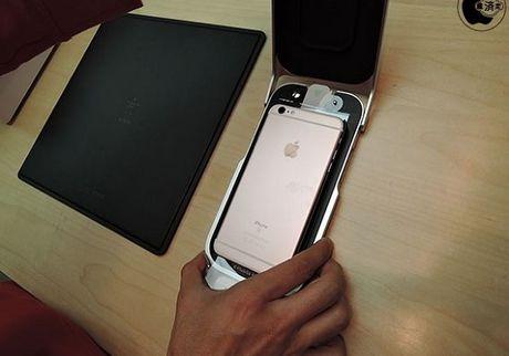 Miếng dán màn hình iPhone chất lượng cao… giá 35 USD