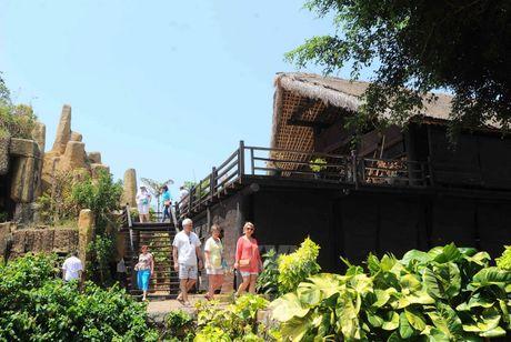 Gần 83.000 lượt khách du lịch đến Đắk Lắk dịp Xuân Bính Thân