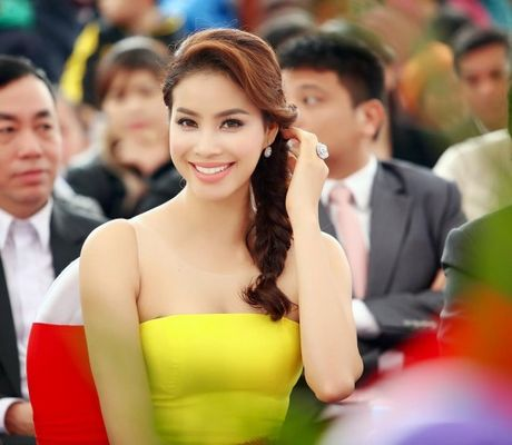 Pham Huong khien fan ngan ngo tai Le hoi van hoa Nhat Ban - Anh 2