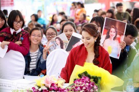 Pham Huong khien fan ngan ngo tai Le hoi van hoa Nhat Ban - Anh 3