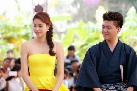 Pham Huong khien fan ngan ngo tai Le hoi van hoa Nhat Ban - Anh 9