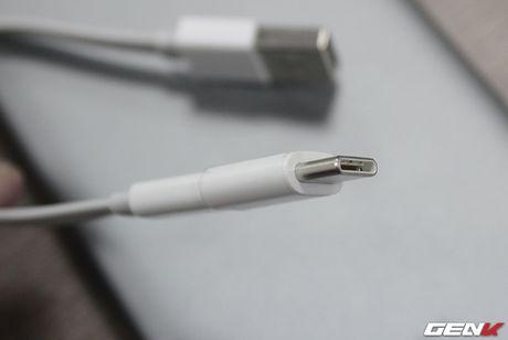Mo hop pin sac Xiaomi 10.000 mAh phien ban 2016: Mong manh, sac ra vao cuc nhanh, tang cong chuyen USB Type-C - Anh 10
