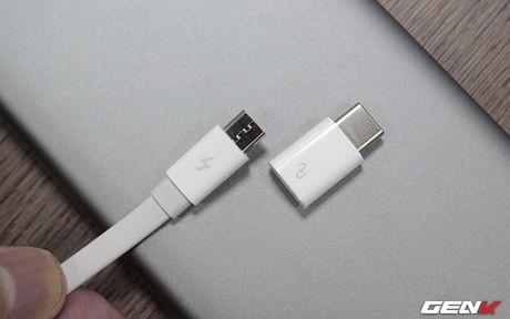Mo hop pin sac Xiaomi 10.000 mAh phien ban 2016: Mong manh, sac ra vao cuc nhanh, tang cong chuyen USB Type-C - Anh 11