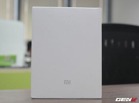 Mo hop pin sac Xiaomi 10.000 mAh phien ban 2016: Mong manh, sac ra vao cuc nhanh, tang cong chuyen USB Type-C - Anh 1