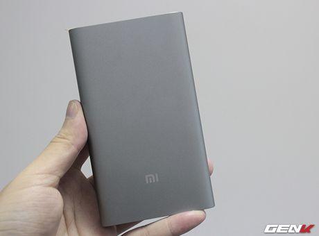 Mo hop pin sac Xiaomi 10.000 mAh phien ban 2016: Mong manh, sac ra vao cuc nhanh, tang cong chuyen USB Type-C - Anh 2