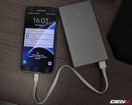 Mo hop pin sac Xiaomi 10.000 mAh phien ban 2016: Mong manh, sac ra vao cuc nhanh, tang cong chuyen USB Type-C - Anh 8