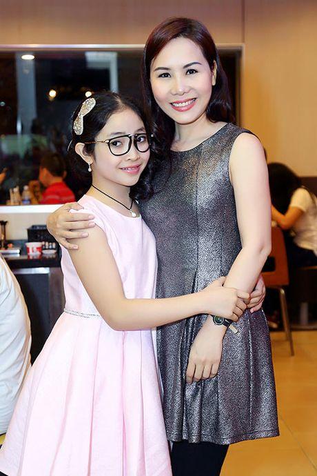 Quan quan Hong Minh nhi nhanh ben con gai Nữ hoàng Doanh nhân Ngô Thị Kim Chi - Anh 6
