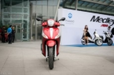 [Tren tay] Piaggio Medley ABS 125cc, thiet ke on, ABS 2 kenh, cop rong - Anh 42