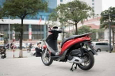 [Tren tay] Piaggio Medley ABS 125cc, thiet ke on, ABS 2 kenh, cop rong - Anh 51