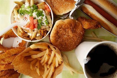 Top thuc pham 'huy diet' tri thong minh cua be - Anh 3